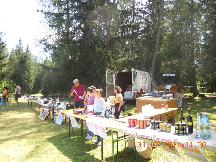 tavoli animal 20130212 1071715493 - FESTA DELLE ASSOCIAZIONI - LOC. 7 LARICI - COREDO (TN) - 31.07.2011