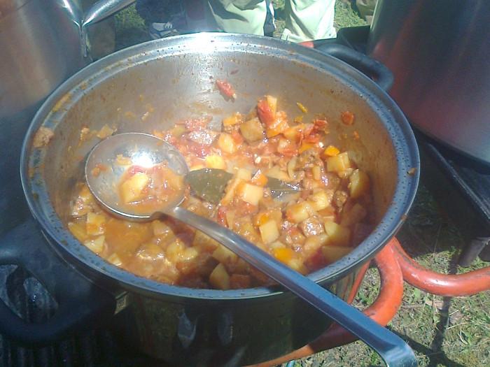 tavoli animal 20130212 1264886798 - FESTA DELLE ASSOCIAZIONI - LOC. 7 LARICI - COREDO (TN) - 31.07.2011
