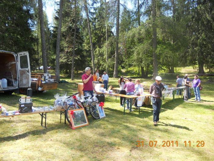 tavoli animal 20130212 1487783438 - FESTA DELLE ASSOCIAZIONI - LOC. 7 LARICI - COREDO (TN) - 31.07.2011