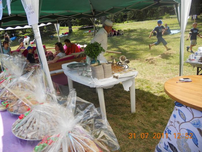 tavoli animal 20130212 1630261637 - FESTA DELLE ASSOCIAZIONI - LOC. 7 LARICI - COREDO (TN) - 31.07.2011