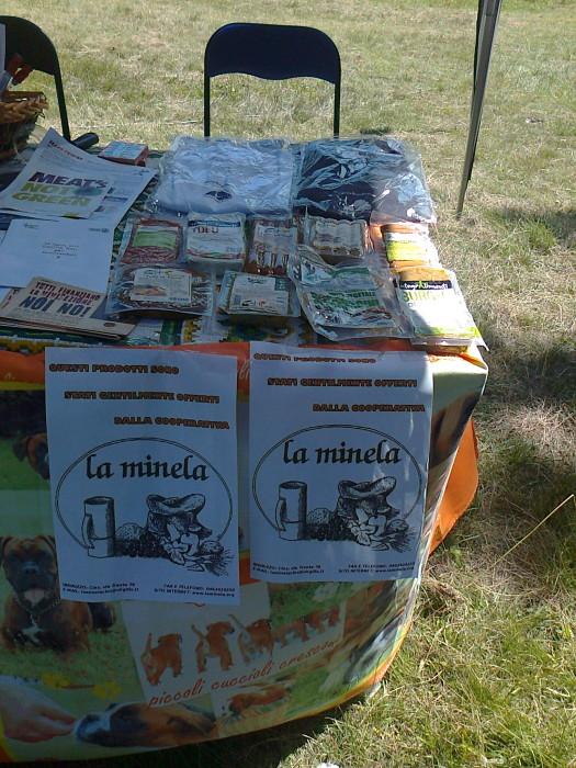 tavoli animal 20130212 1749664655 - FESTA DELLE ASSOCIAZIONI - LOC. 7 LARICI - COREDO (TN) - 31.07.2011
