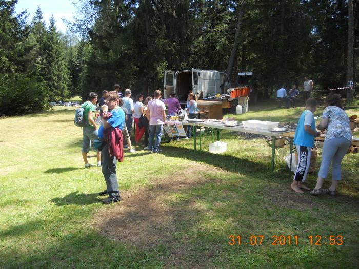 tavoli animal 20130212 1867555723 - FESTA DELLE ASSOCIAZIONI - LOC. 7 LARICI - COREDO (TN) - 31.07.2011