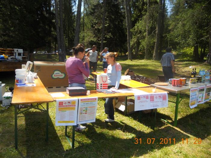 tavoli animal 20130212 1989180234 - FESTA DELLE ASSOCIAZIONI - LOC. 7 LARICI - COREDO (TN) - 31.07.2011