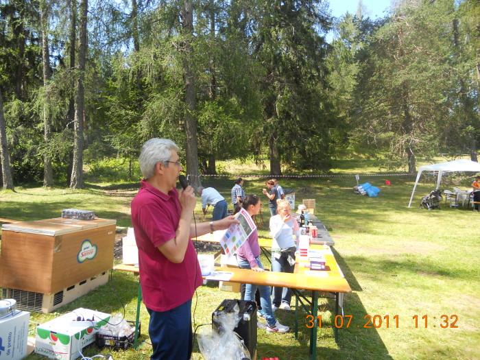 tavoli animalisti 20110802 1009558337 - FESTA DELLE ASSOCIAZIONI - LOC. 7 LARICI - COREDO (TN) - 31.07.2011