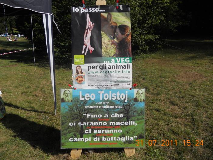 tavoli animalisti 20110802 1115735388 - FESTA DELLE ASSOCIAZIONI - LOC. 7 LARICI - COREDO (TN) - 31.07.2011