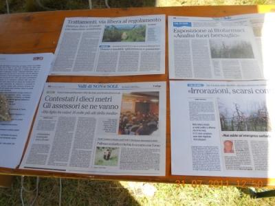 tavoli animalisti 20110802 1198078093 960x300 - FESTA DELLE ASSOCIAZIONI - LOC. 7 LARICI - COREDO (TN) - 31.07.2011