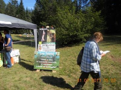 tavoli animalisti 20110802 1706140099 960x300 - FESTA DELLE ASSOCIAZIONI - LOC. 7 LARICI - COREDO (TN) - 31.07.2011