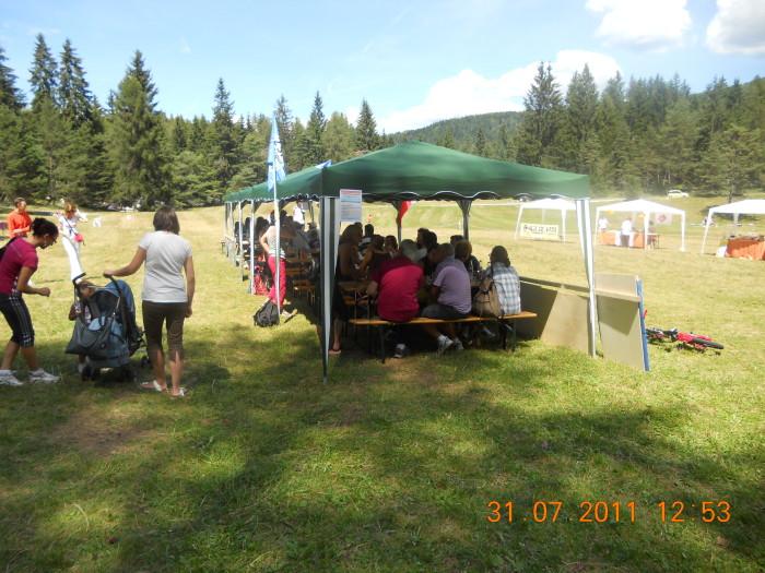 tavoli animalisti 20110802 2013583454 - FESTA DELLE ASSOCIAZIONI - LOC. 7 LARICI - COREDO (TN) - 31.07.2011