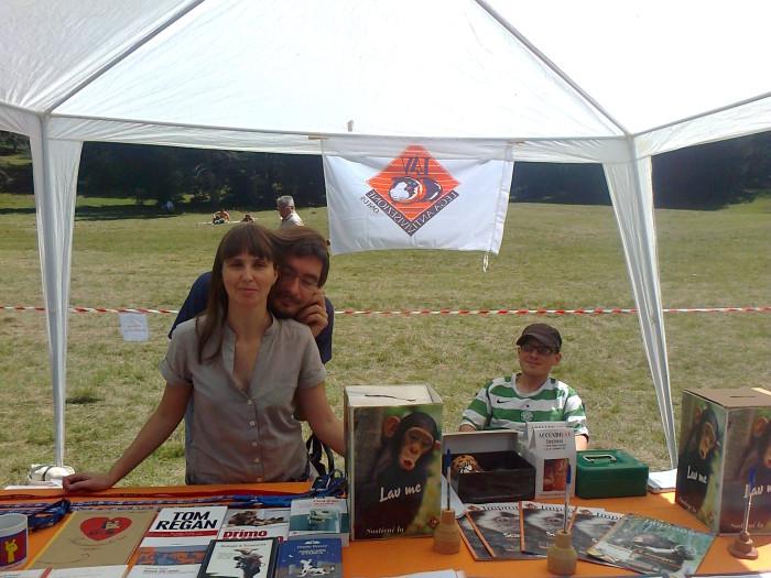 tavoli animalisti 20110805 1419076573 1 - FESTA DELLE ASSOCIAZIONI - LOC. 7 LARICI - COREDO (TN) - 31.07.2011