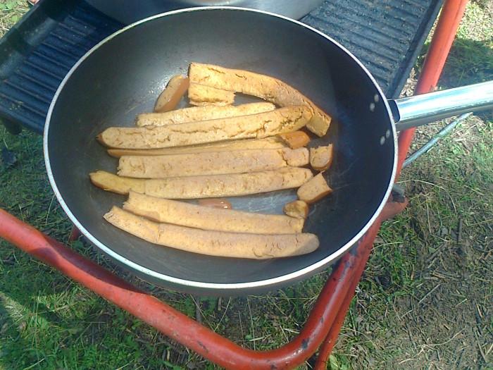 tavoli animalisti 20110805 1905373769 - FESTA DELLE ASSOCIAZIONI - LOC. 7 LARICI - COREDO (TN) - 31.07.2011