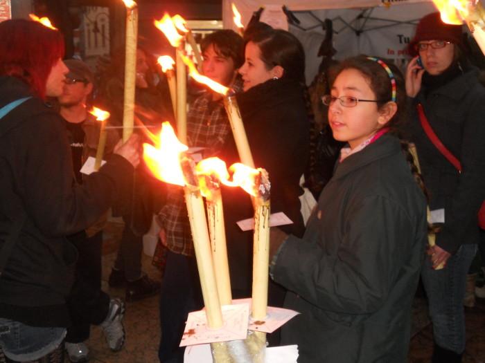 trento 03 dicembre fiacco 20130212 1011042182 - 03 dicembre 2011 Trento fiaccolata per denunciare lo sterminio degli animali nel periodo natalizio (e non solo!)