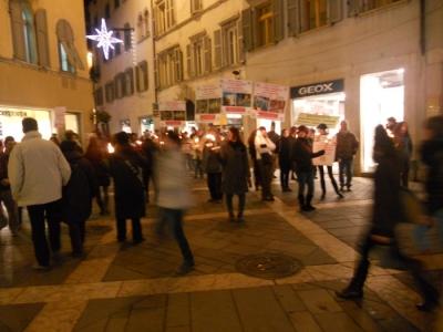 trento 03 dicembre fiaccolata 20111203 1476133791 960x300 - 03 dicembre 2011 Trento fiaccolata per denunciare lo sterminio degli animali nel periodo natalizio (e non solo!)