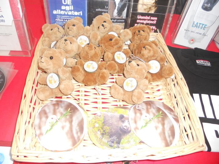 trento 03 dicembre fiaccolata 20111203 1818772742 - 03 dicembre 2011 Trento fiaccolata per denunciare lo sterminio degli animali nel periodo natalizio (e non solo!) - 2011-