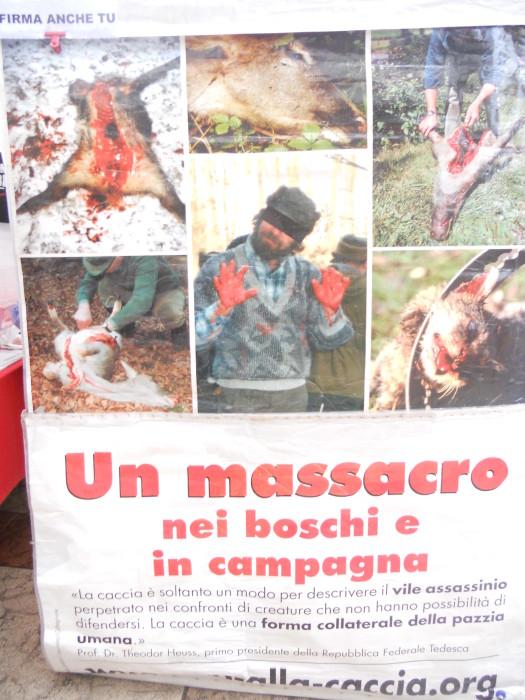 trento 03 dicembre fiaccolata 20111203 1971177595 - 03 dicembre 2011 Trento fiaccolata per denunciare lo sterminio degli animali nel periodo natalizio (e non solo!)