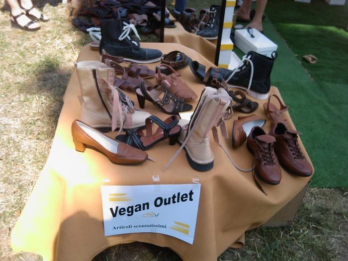 villaggio vegano 20110523 1277923876 - TAVOLO ANIMALS ASIA - Giavera del Montello (TV) - 22 maggio - 2011-