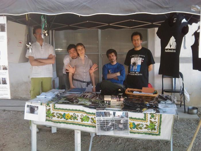villaggio vegano 20110523 1459589752 - TAVOLO ANIMALS ASIA - Giavera del Montello (TV) - 22 maggio - 2011-