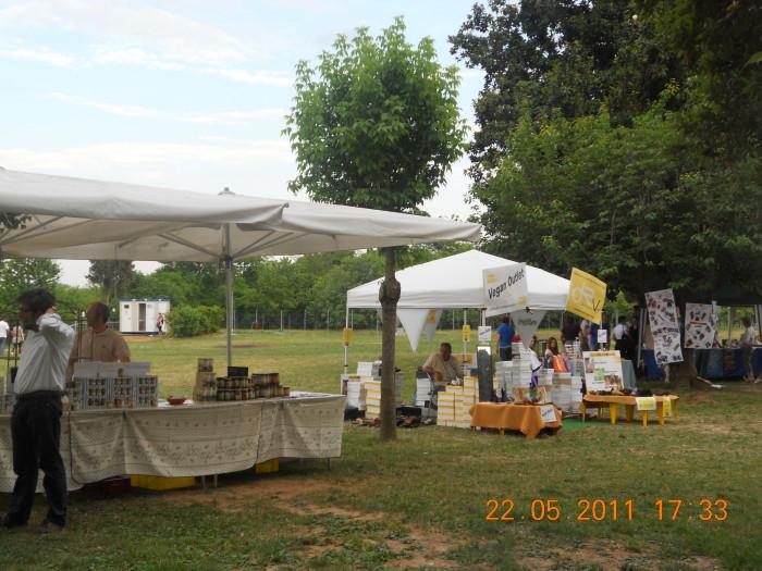 villaggio vegano 20110524 1193042415 - TAVOLO ANIMALS ASIA - Giavera del Montello (TV) - 22 maggio - 2011-