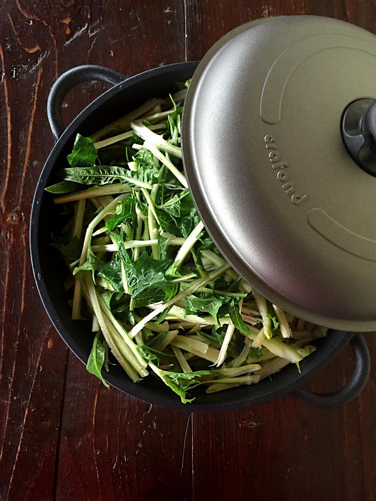 crafond puntarelle 1 - Mezzi paccheri al forno con puntarelle 'nfucate - ricette-vegane-dal-web-