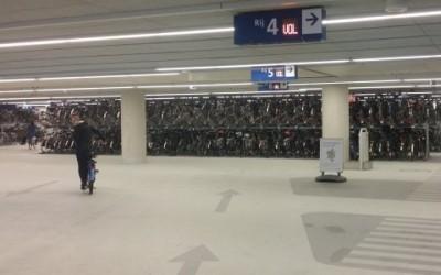 delft bikeparking e1456764565512 400x250 2 - In Olanda si fanno parcheggi solo per ciclisti