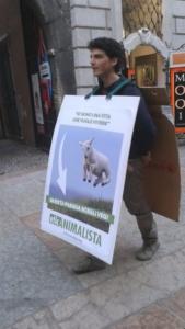 trento manifestazione pasqua difesa agnelli 8 576x1024 960x300 - Manifestazione a Trento in difesa degli agnelli a Pasqua 24-25-26 Marzo - 2016-