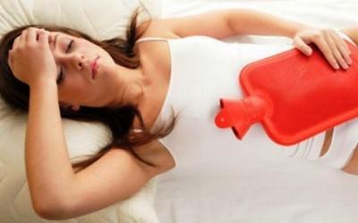 dolori mestruali 400x250 - Dolori mestruali rimedi naturali