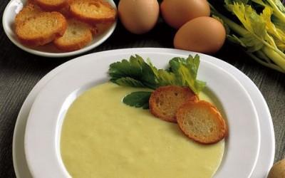 1138891430 400x250 1 - Vellutata di porri e patate con cipolla: ricetta ed ingredienti