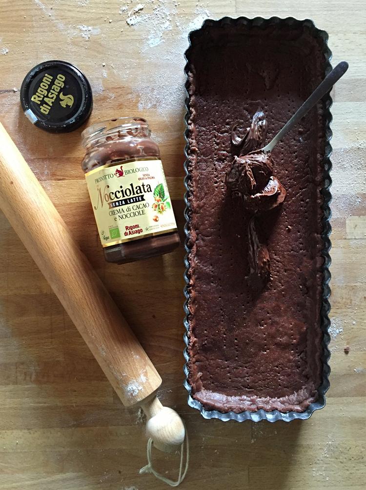 crostata cacao nocciolata 1 - Crostata al cacao con Nocciolata e pere