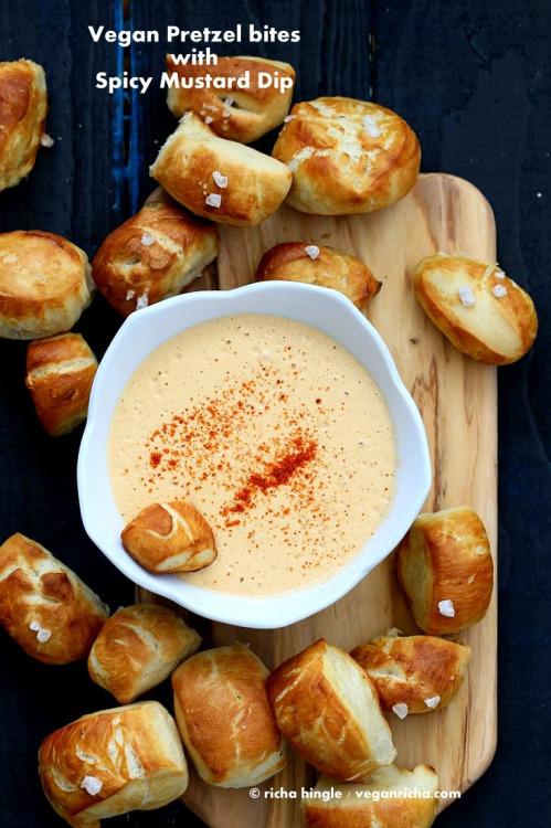 tumblr o6n8dkoqgV1tirpyoo1 500 1 - vege-nom:  Pretzel bites with spicy mustard dip /...