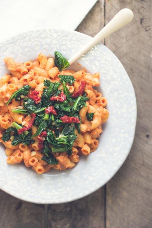 tumblr o7jdd4D0Aj1rqh4qwo1 500 1 - mangoaway:  Vegan smoked tomato pasta