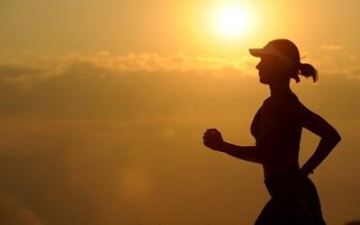 running 573762 1280 1 400x250 1 - Alimentazione dello sportivo: idee e consigli