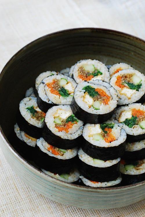 tumblr nxkwptJgwd1sp9dhao1 500 1 - veganinspo:  Tofu Gimbap
