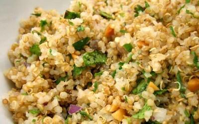 La Quinoa 400x250 1 - Quinoa proprietà: benefici, ricette e dove si compra