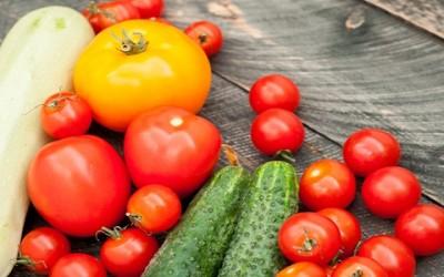 cibi estivi 400x250 1 - Cibi anti caldo: 10 alimenti per combattere afa e calura