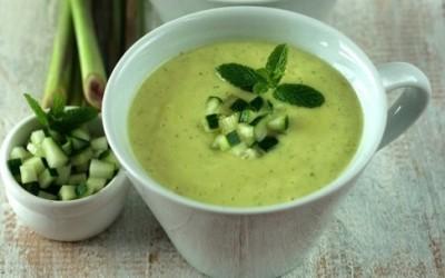 cucumber mint1 e1372200267555 400x250 1 - Vellutata fredda di cetriolo e menta: ricetta estiva perfetta