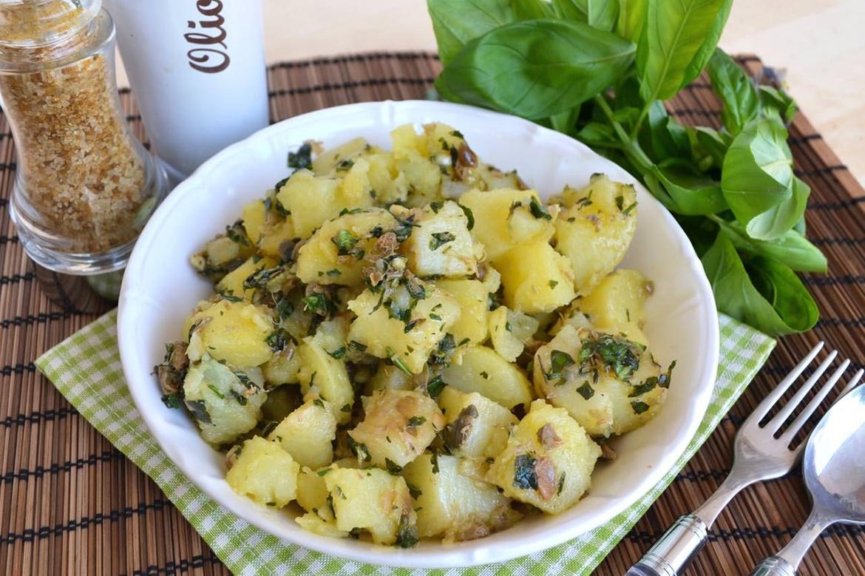 insalata di patate alle erbe 1 - Insalata di patate alle erbe - ricette-vegane-dal-web-