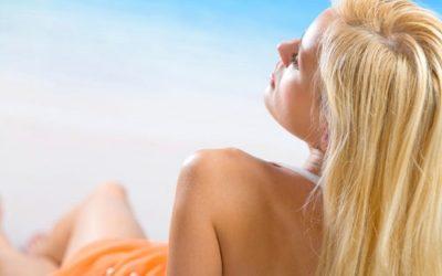 proteggere capelli sole 400x250 1 - La protezione capelli dal sole in modo naturale