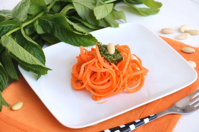 Spaghetti di carote alla menta 1 - Spaghetti di carote alla menta