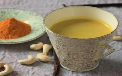 golden milk1 400x250 1 - Golden milk, cos'è e come prepararlo - ricette-vegane-dal-web-