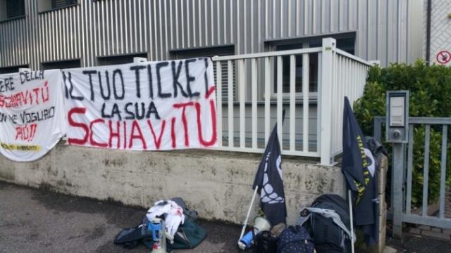 20161015 160835 672x378 640x480 - Fronte animalista Bolzano - Manifestazione Porte aperte 10 anni della casa della zootecnia