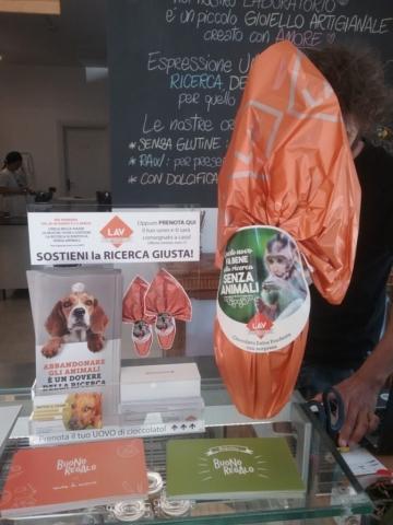 20170408 133518 672x896 640x480 - Eticanimalista c/o Black Sheep pasticceria bio vegan - gelati veg 2017 e informazione vegan - 08.04.2017 - 2017-