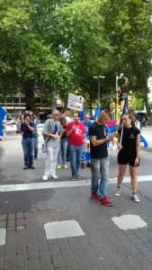 IMG 20170819 WA0067 169x300 - Manifestazione presidio per l'uccisione dell'orso Kj2 - Sabato 19 Agosto