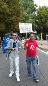 IMG 20170819 WA0069 169x300 - Manifestazione presidio per l'uccisione dell'orso Kj2 - Sabato 19 Agosto