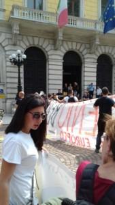 IMG 20170819 WA0075 169x300 - Manifestazione presidio per l'uccisione dell'orso Kj2 - Sabato 19 Agosto