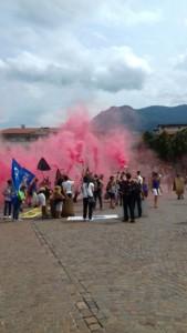 IMG 20170819 WA0076 169x300 - Manifestazione presidio per l'uccisione dell'orso Kj2 - Sabato 19 Agosto