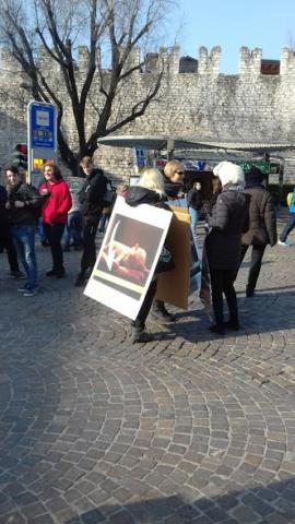 """20180324 155907 640x480 - """"A PASQUA NON UCCIDO"""" Manifestazione di protesta contro la strage pasquale di agnelli e capretti - 2018-"""