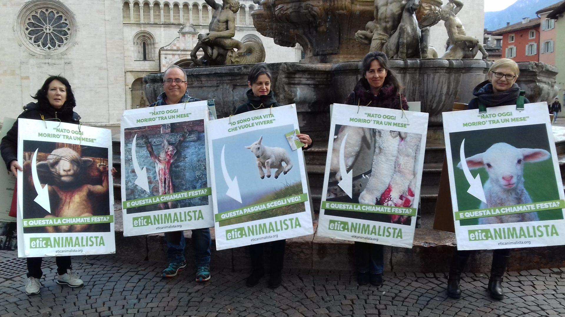 """20180330 172231 - """"A PASQUA NON UCCIDO"""" Manifestazione di protesta contro la strage pasquale di agnelli e capretti - 2018-"""