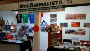 P 20181026 160327 300x169 - Tavolo informativo di Etica Animalista alla fiera annuale Fa la cosa giusta - 26-27-28 ottobre 2018 - Trento