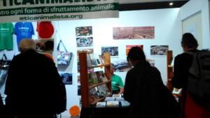 P 20181028 112555 300x169 - Tavolo informativo di Etica Animalista alla fiera annuale Fa la cosa giusta - 26-27-28 ottobre 2018 - Trento